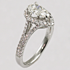 14kt Split Shank Pear Shaped Engagement Ring