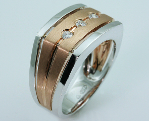18kt Two Tone Gents Ring